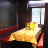 席は落ち着きのあるモダンなテーブル。広々とご使用頂けます♪