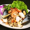 料理メニュー写真ヤムタレー(タイ風海鮮サラダ)