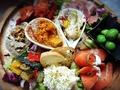 料理メニュー写真タパス各種♪自家製燻製ポテトサラダオリーブのマリネ、、ブルサンアイユのガーリックトースト等々