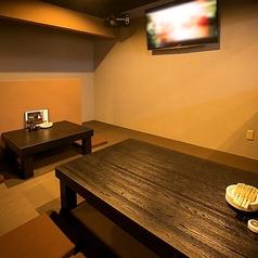 2名~8名まで利用可能なお座敷個室も完備。