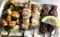料理メニュー写真とり皮(2本)/砂ずり(2本)/もも肉(2本)