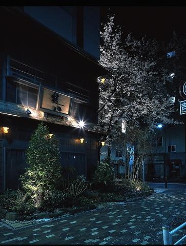 串と蕎麦。旨い日本のお酒と食事を楽しむ至福のひと時…