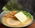 料理メニュー写真(白)バターラーメン