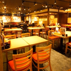 【立川】広い空間でのテーブル席★こちらでは最大84名様までご案内可能です!