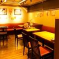 【広い空間でのテーブル席】4名様の飲み会~団体様宴会やサークル飲み会まで様々な用途でご利用可能ですので是非!