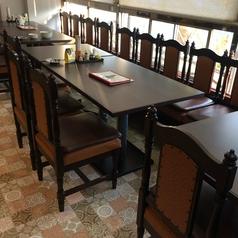 2階 テーブル席その1