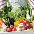 産地直送の厳選野菜を♪温暖な気候と豊かな自然に恵まれた淡路島より、盛んな畜産業を活かした堆肥で育った有機野菜を毎日お店に直送。季節ごとの味覚を安心と安全を添えてお届けいたします。
