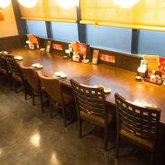 おひとり様も大歓迎♪落ち着いた雰囲気のカウンター席です。広々とした店内でゆっくりとお食事ができます♪