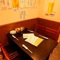 テーブル席は、1Fに全部で3席完備。気の合う仲間とワイワイ出来る特等席です。