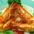 料理メニュー写真大海老のチリソース(頭付き殻付き特大)※2尾から注文OK