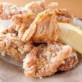 料理メニュー写真鶏もも肉の唐揚げ