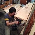 リニューアル内装工事は全て手作りです。内装工事をしたジュワンです。イサーン出身、いつもニコニコでホールで頑張ってます。