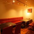 ゆとりのあるソファー席です。ごゆっくり女子会や友人同士の飲み会にも最適♪
