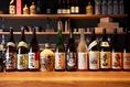 日本酒は100種類以上を常設。お気に入りのお酒はもちろん、新たなお酒に出会えるかもしれません!