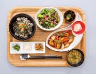 メイン料理を選べる定食スタイルのカジュアル中華!