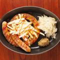 料理メニュー写真美味しんぼソーセージのカリーブルスト(粗挽き)