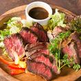 肉バルの自慢はやっぱりお肉料理!各コースではふんだんに盛り込みました◎是非熱々のうちにお召し上がりください。お肉本来の美味しさを生かすため当店では出来るだけシンプルな味付けにこだわり、食材の品質管理にこだわっております!