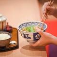元力士の創業者から、伝統の味を継承して44年。具材たっぷりで食べごたえのあるちゃんこ鍋をご提供しております。※写真は系列店です。