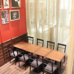 店内入ってすぐ右手の独立スペース。他のお席と離れて位置しているので、個室のような感覚でご利用いただけます、