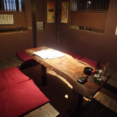 5名様向けの半個室席。どこか隠れ家のようなお席です。