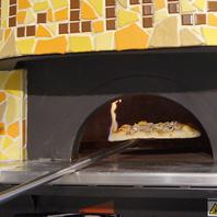 【窯で焼き上げるピッツア】本格ピッツアを召し上がれ♪