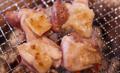 料理メニュー写真濃厚な地鶏の塩焼き