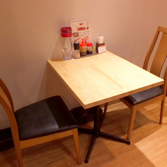 テーブル席は3席ございます。
