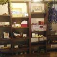 大流行の韓国コスメ&グッズの物販コーナーもあります。ぜひ、ご利用ください。
