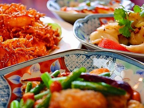 本格的な中華料理が堪能できる。メニューが豊富なので、みんなでシェアして楽しもう。