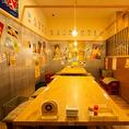 レトロな雰囲気あるテーブル席はお仲間との飲み会にぴったり!