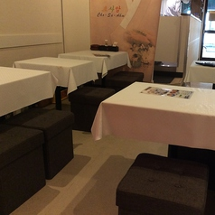 美味しく楽しい時間を過ごせるテーブル席。宴会・飲み会・女子会など様々なシーンに◎