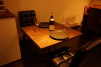 オシャレなテーブル席は記念日などに最適です!