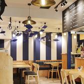 とろさば料理専門店 SABAR+ 広島国際通り店の雰囲気3
