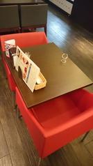 2名様用のお席となっています。状況に応じてテーブルをつなげることも可能です。お席は禁煙となっています。