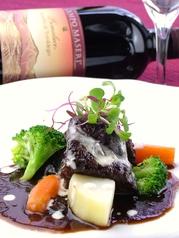 黒毛和牛ほほ肉の赤ワイン煮込み