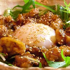 料理メニュー写真博多華味鶏ガーリック炒め