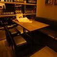 店内奥のテーブル席