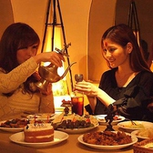 光の織り成す上品なカップルシート個室は新宿でのデートをワンランク上げること間違いなし!落ち着いた雰囲気の寛ぎの個室席は二人の距離をより一層近づけます♪いつもと違ったデートを楽しみたいお客様にオススメの個室空間になっております♪