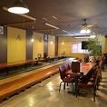 最大70名様まで収容OKの大個室。各種ご宴会や結婚式二次会など、パーティに最適な空間。