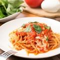料理メニュー写真とろとろモッツァレラのトマトスパゲッティ