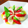 料理メニュー写真モッツァレラとトマトのカプレーゼ