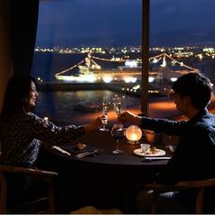 記念日使いにもピッタリな個室をご用意。函館の夜景を見ながら楽しむ食事は記憶に残る最高の一時。大切な方との特別な日のご利用に。2~5名様でご利用頂けます。