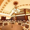 全174席のメインフロアは、天井が高くゆったり過ごせる雰囲気です