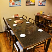 【2F】壁際のテーブル席です。最大6名までOK!