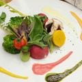 料理メニュー写真旬野菜と5種のソースのベジプレート