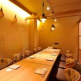 『じぶんどき 松本駅前店』は落ち着いた雰囲気の隠れ家ダイニング♪上質な大人の空間で、ヘルシーで美味しいお料理をご堪能ください。2時間飲み放題付きのお得なご宴会コースを多彩にご用意◎日本酒・焼酎・創作和カクテルなど種類豊富なドリンクもございます!