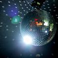 《ミラーボールで盛り上がろうッッ!!》Partyと言えばミラーボールッ♪ご機嫌な音楽や楽しいPartyに気分は上々☆