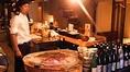 調理の臨場感溢れるオープンキッチン
