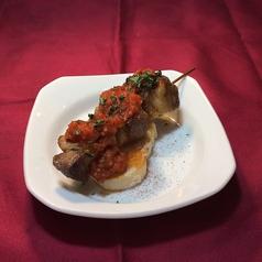 特製スパイスのイベリコ豚串焼き ピンチョモルーノ※1本の料金です