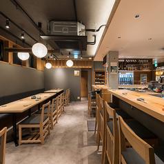日本酒と魚と肴とSOBAが愉しめるお店 サカナケンキュウジョ 金山小町店の雰囲気1
